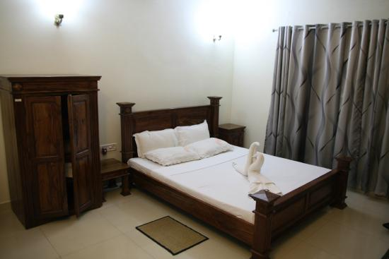 XL Homestay: Room