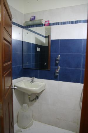 XL Homestay: Bathroom