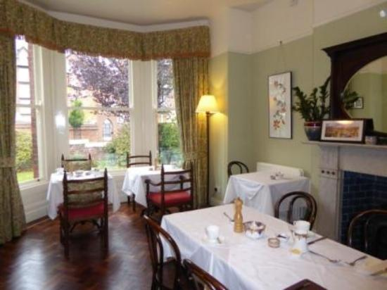 Ravenhill Guesthouse: Dining Room