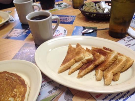 Blanco Bowling Club Café: cinnamon toast