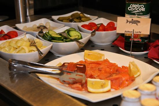 Star Inn Hotel Budapest Centrum, by Comfort: Breakfast buffet with smoked salmon