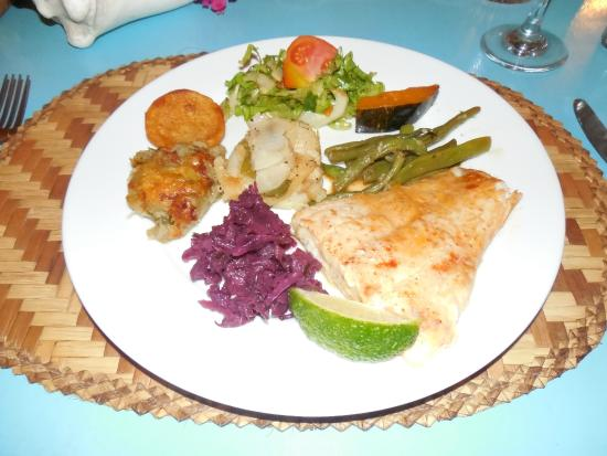 Fernando's Hideaway : Red Snapper fillets and sides- gorgeous