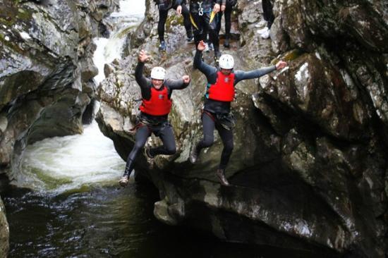 Nae Limits Adventure: Canyoning