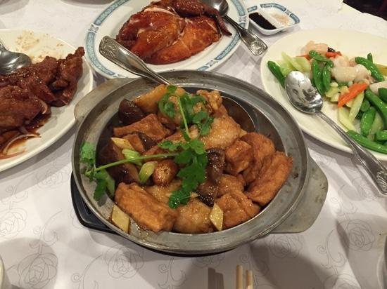 Mayflower Restaurant: clay pot with braised tofu and fish.