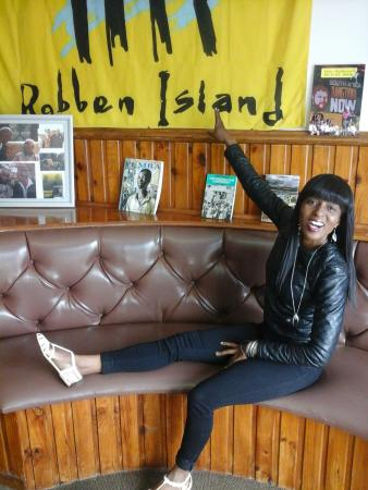 Skaris Touring : Enjoyable moments in robin island