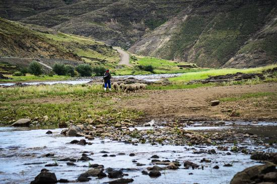 Thaba-Tseka, Lesotho: Surrounded by nature