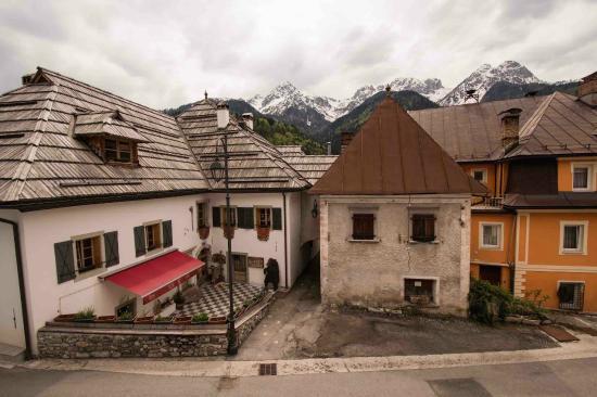 Facciata esterna casa schlosser albergo diffuso ad fort hensel malborghetto tarvisio - Facciata esterna casa ...