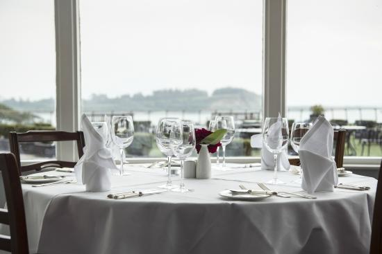 Parknasilla Resort & Spa: Table with a view