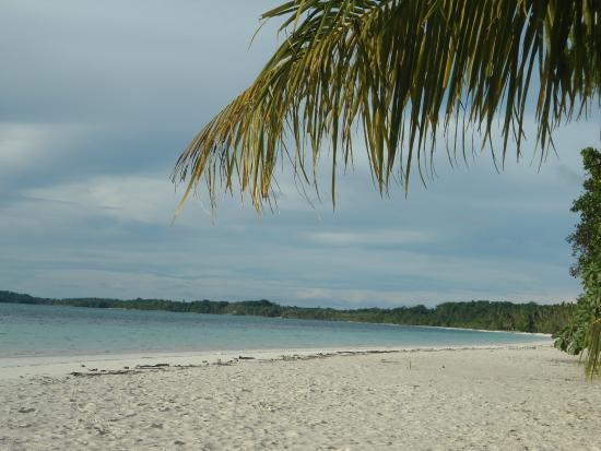 Pantai pasir panjang Tual Maluku Tenggara