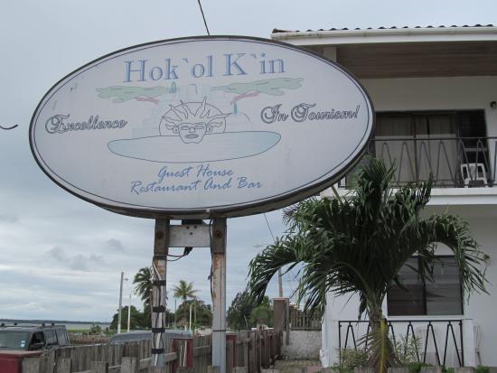 Hokol Kin Guesthouse: The sign