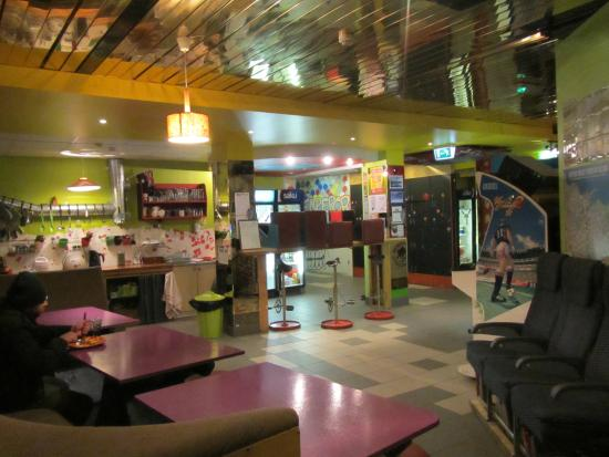 Red Emperor Bar and Hostel : Kitchen & social area