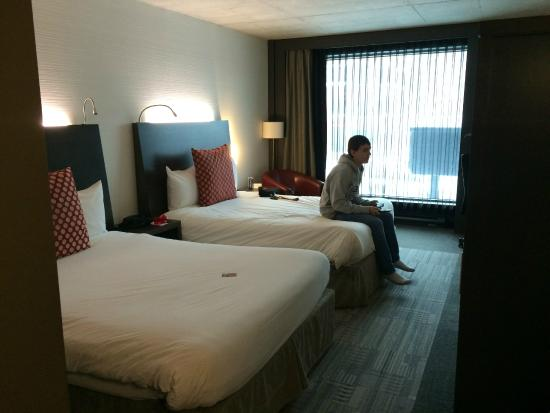 Grand Times Hotel Sherbrooke : The room (before we messed it up, haha)