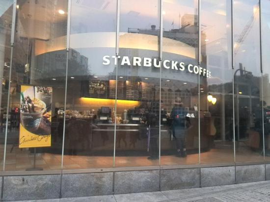 Starbucks Coffee Shibuya Tsutaya: 平日の早朝は混んでません