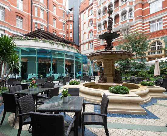 Taj 51 buckingham gate suites and residences london for Hotels 02 london