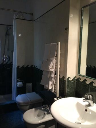 Hotel Palazzo Vecchio: Banheiro do Apto