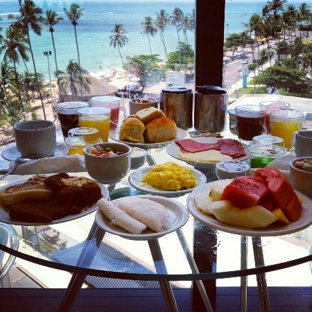 Hotel Brisa Tower: Cafe da manhã no quarto