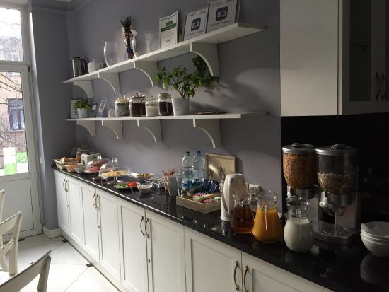 Angel House Bed & Breakfast : Cucina per la colazione