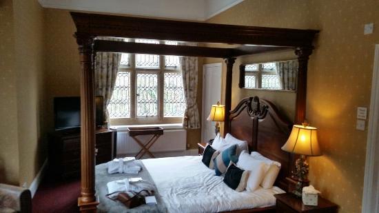 Bannatyne Spa Hotel Bury St Edmunds: Bizzare