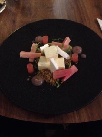 Dove: amazing rhubarb cheese cake!!