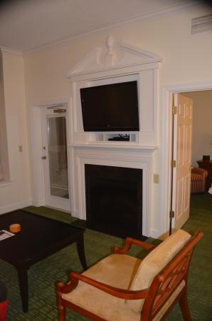 Marriott's Manor Club at Ford's Colony: living area-larger unit