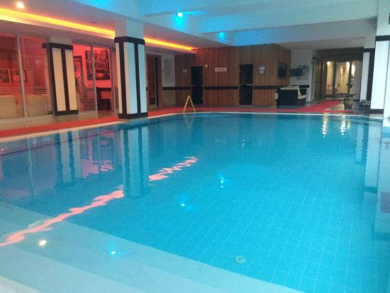 swimming pool inside hotel - Picture of Tripolis Hotel, Pamukkale ...