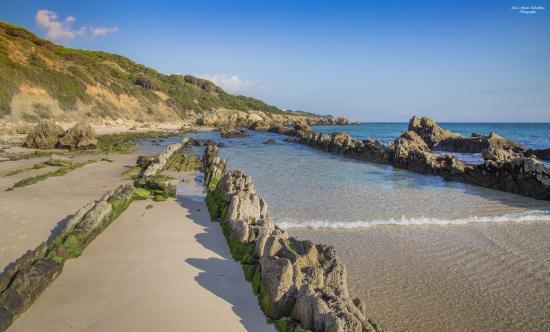 Dunas de bolonia tarifa c diz espa a fotograf a de playa for Piscinas naturales bolonia cadiz