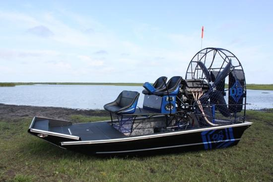‪Native Airboat Rides‬