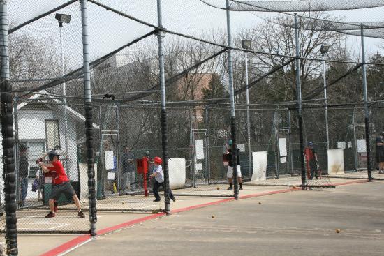Dulles Golf Center & Sports Park: Batting Cages