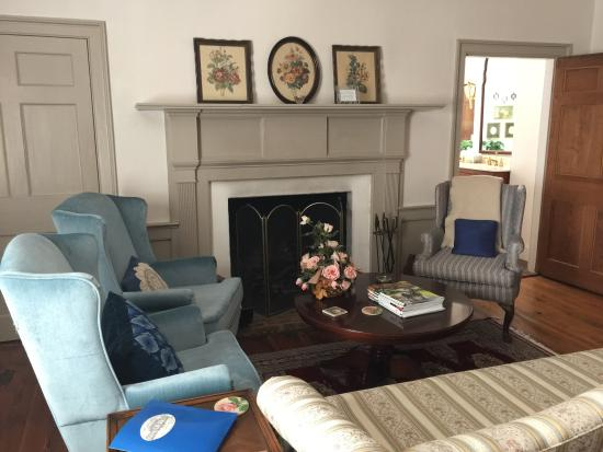 Spring Grove Farm Bed and Breakfast: The Tose Room Suite