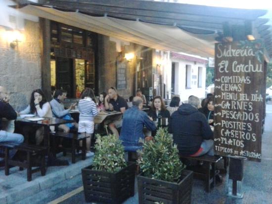Sidreria El Corchu : Terraceo