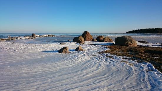 Hiiu County, Estonia: Побережье Вормси