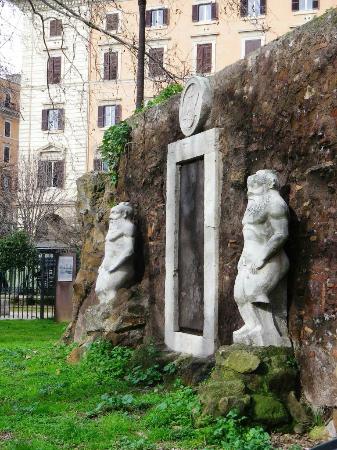 Foto attraverso le sbarre picture of la porta magica for La porta media