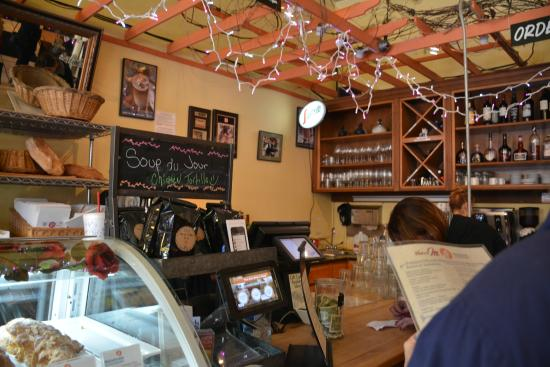 Main St Cafe and Bread Baking Co: Inside Dining Room