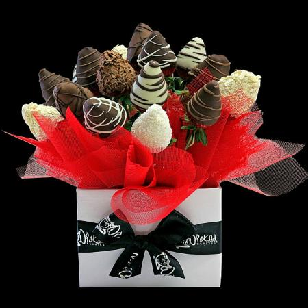 Berry Bloom Box Gift Bouquet Of Belgian Chocolate Dipped Strawberries Picture Of Wicked Berries Coffs Harbour Tripadvisor