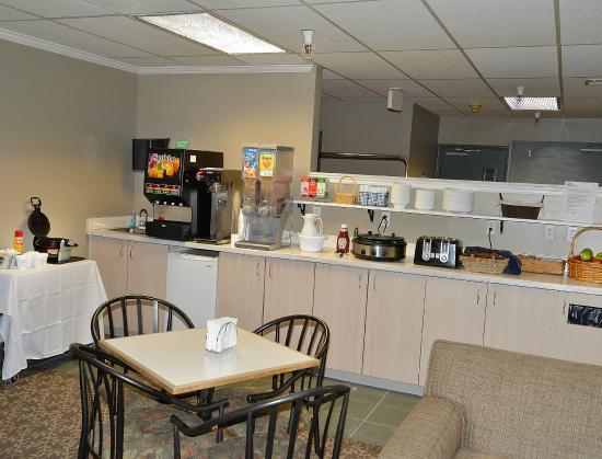 Great Falls Inn by Riversage: Breakfast Sitting Area