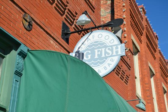 Big Fish Seafood Grill & Bar : Sign in front of building