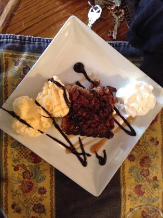 The Silver Spoon: Pecan pie cake. The wife almost stabbed me over