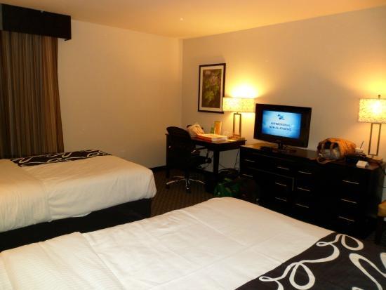 La Quinta Inn Oshkosh: Clean, quiet and contemporary.