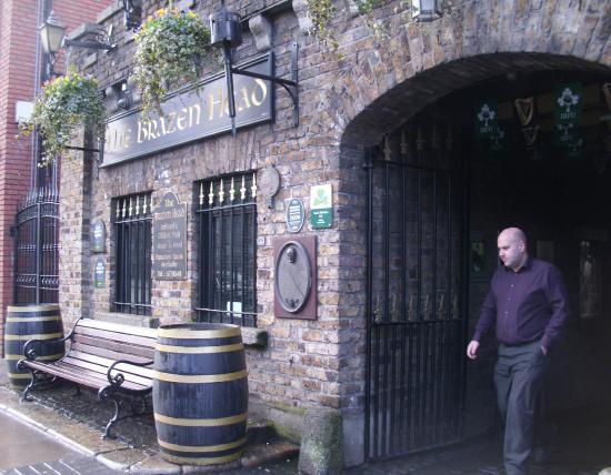 Brazenhead Pub: Welcome
