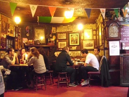 Brazenhead Pub: Great atmosphere