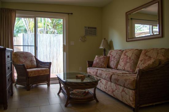 Sprecks Plantation House: Hibiscus livingroom