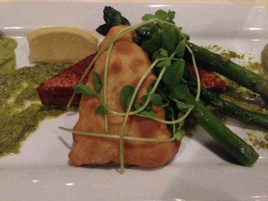 Horizons Restaurant: Veggie Pastry and Tofu