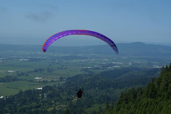Learning to soar with Discover Paragliding at Sollie Mountain, Tillamook