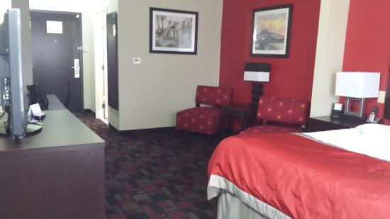 Wingate by Wyndham Lake Charles Casino Area : double room