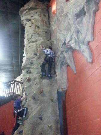 Metropolis Resort: Rock Climbing in Action City