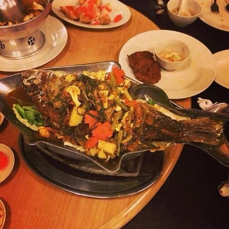 Fried fish picture of khunthai authentic thai restaurant for Fried fish restaurants