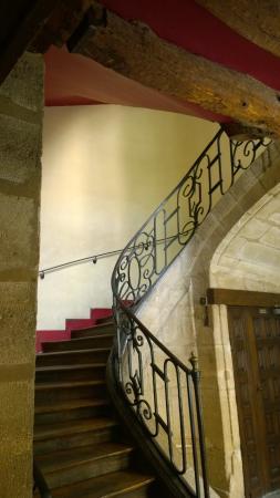Auberge de Jeunesse MIJE  Fauconnier: Escada de acesso aos apartamentos