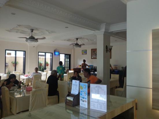 Hotel Panorama: Dining