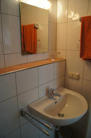 Badezimmer Picture Of Hotel Select Monchengladbach TripAdvisor - Badezimmer mönchengladbach