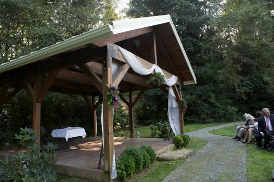 Honeymoon Bay Lodge & Retreat: Outdoor Gazebo